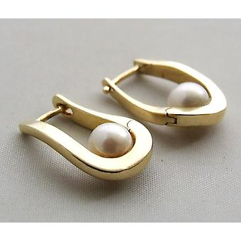 14 carat yellow gold earrings with pearl