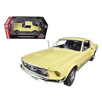 1967 Ford Mustang 2+2 GT Aspen Gold Limited auf 1250pc 50th Anniversary 1/18 Diecast Auto Modell von Autoworld