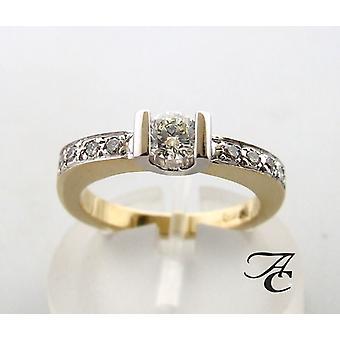 Gouden briljant geslepen diamanten ring
