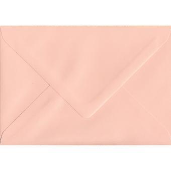 Salmone rosa gommate C6/A6 colorati rosa buste. 100gsm carta sostenibile FSC. 114 mm x 162 mm. busta di stile del banchiere.