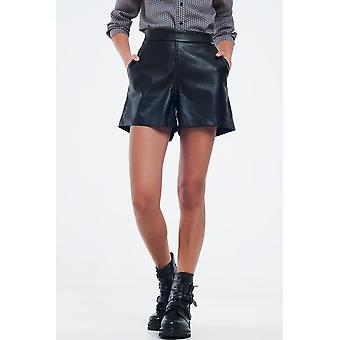 Black short in faux leather