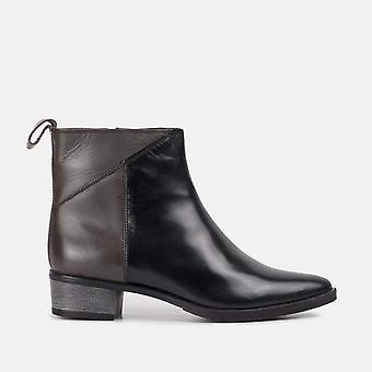 Abi black leather ankle boot