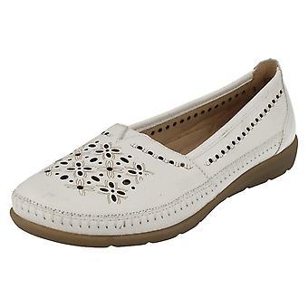 Deslizamento de Remonte Casual senhoras em sapatos D1907