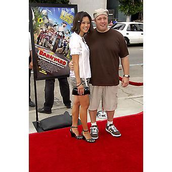 Steffiana De La Cruz Kevin James agli arrivi per Barnyard Premiere Arclight Hollywood Cinema Los Angeles Ca 29 luglio 2006 foto di Michael GermanaEverett collezione celebrità