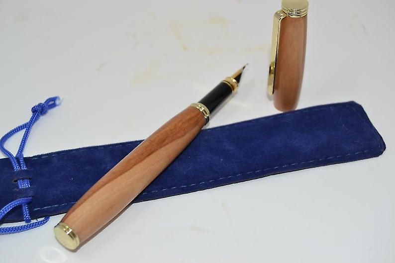 Holz Fueller Fuellfeder Pen  Apfelholz Holz fountain pen handarbeit Geschenk Geschenkidee Unikat Steckkappe