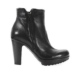 Fru.it Black Leather Heeled Bootie