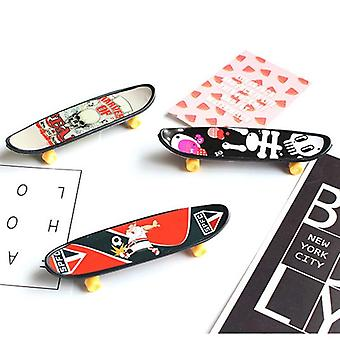 3pcs Familie Fingerboard Skateboard Børn Interactive Deck Sport Desk Finger Legetøj til voksne Kids