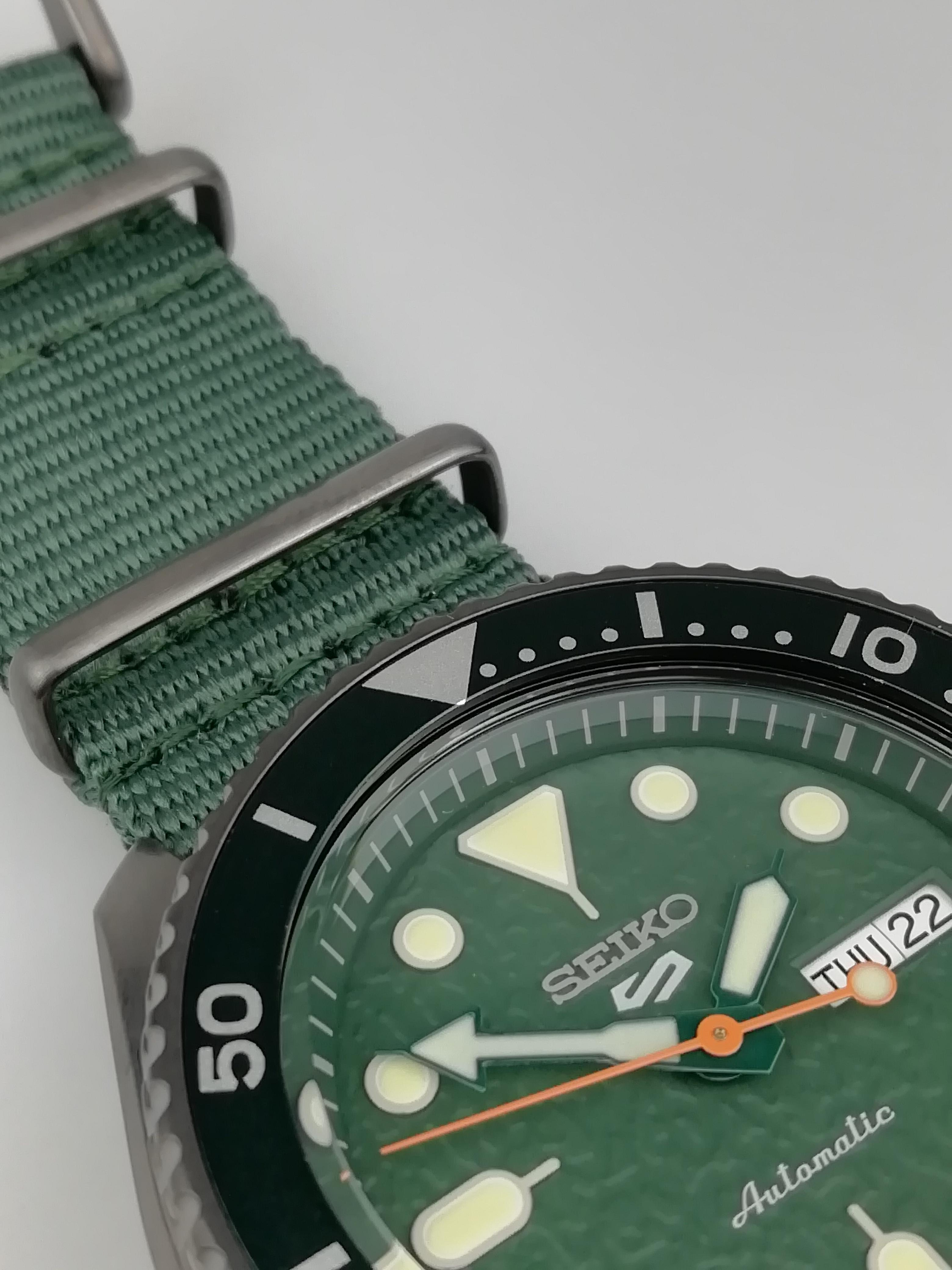 Seiko 5 Sports Stainless Steel Case Green Canvas Strap Automatic Men's Watch SRPD77K1