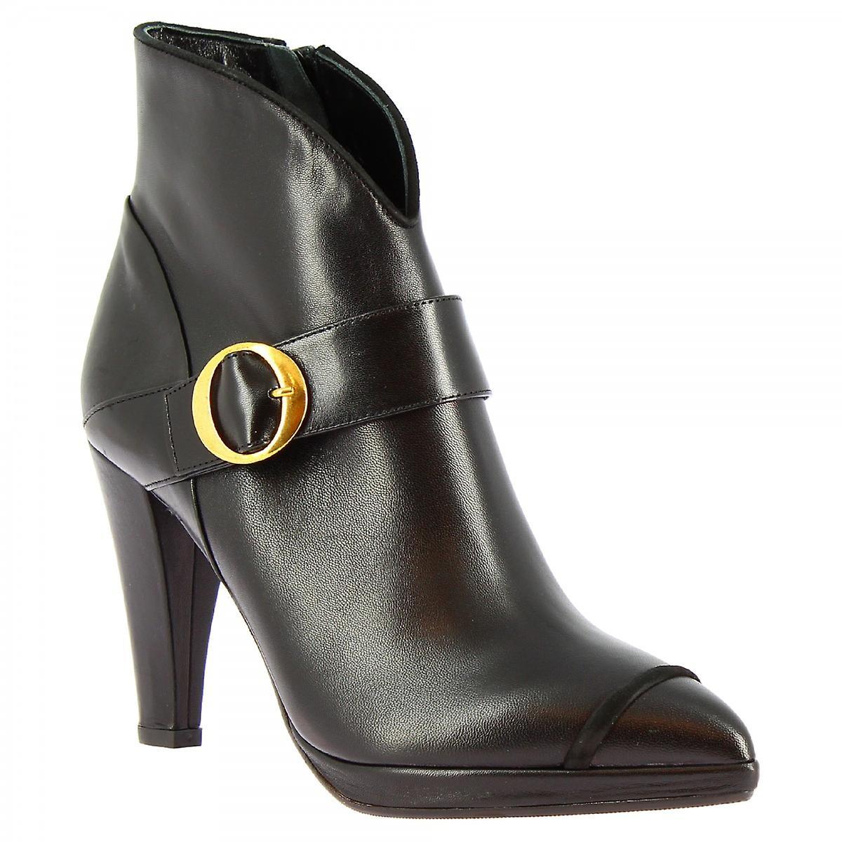 Leonardo Shoes Women's handmade heels pointy ankle boots in black napa leather ac0pB