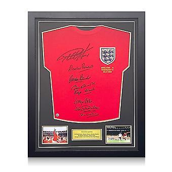 イングランド1966ワールドカップ優勝チームサインシャツ。標準フレーム