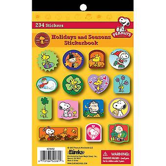 Libro de pegatinas de Peanuts Holidays And Seasons