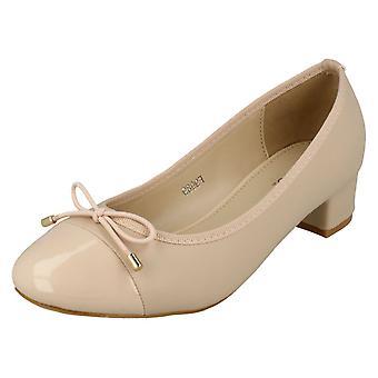 Ladies Spot On Mid Heel Court Shoes F9989