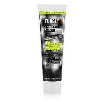 Sileä shot-hoitoaine (huomattavasti sileämmät kiiltävät hiukset) 300ml tai 10,1oz