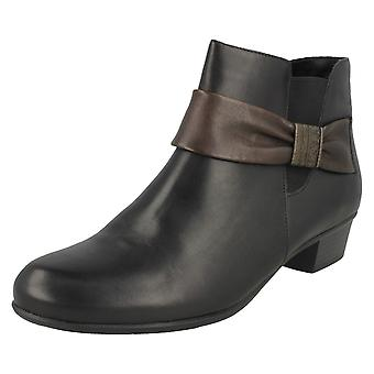 Ladies Remonte Smart Ankle Boots D6571