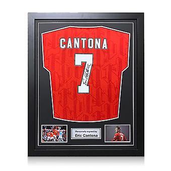 Eric Cantona skrev på för Manchester United 1994. Inramade