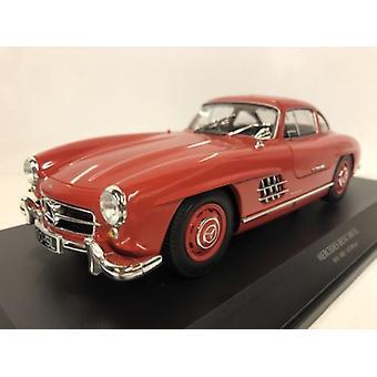 Minichamps 110037211 Mercedes Benz 300 SL 1955 Rød 1:18 Skala