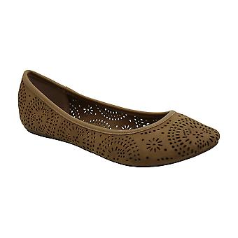 AR35 Sophia Perforated Ballet Flats, Platino