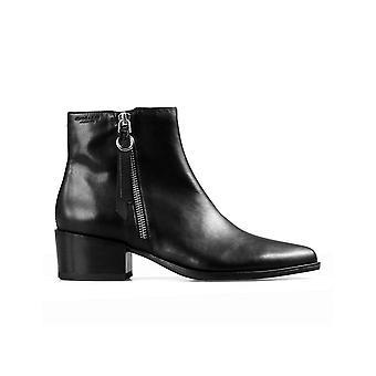 Marja black booties