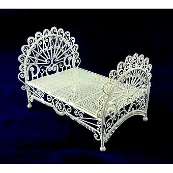 Dolls House Miniature 1:12 Meubles chambre White Wire Wrought Iron Peacock Bed