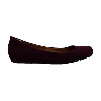 American Rag Womens Ellie Almond Toe Slide Flats