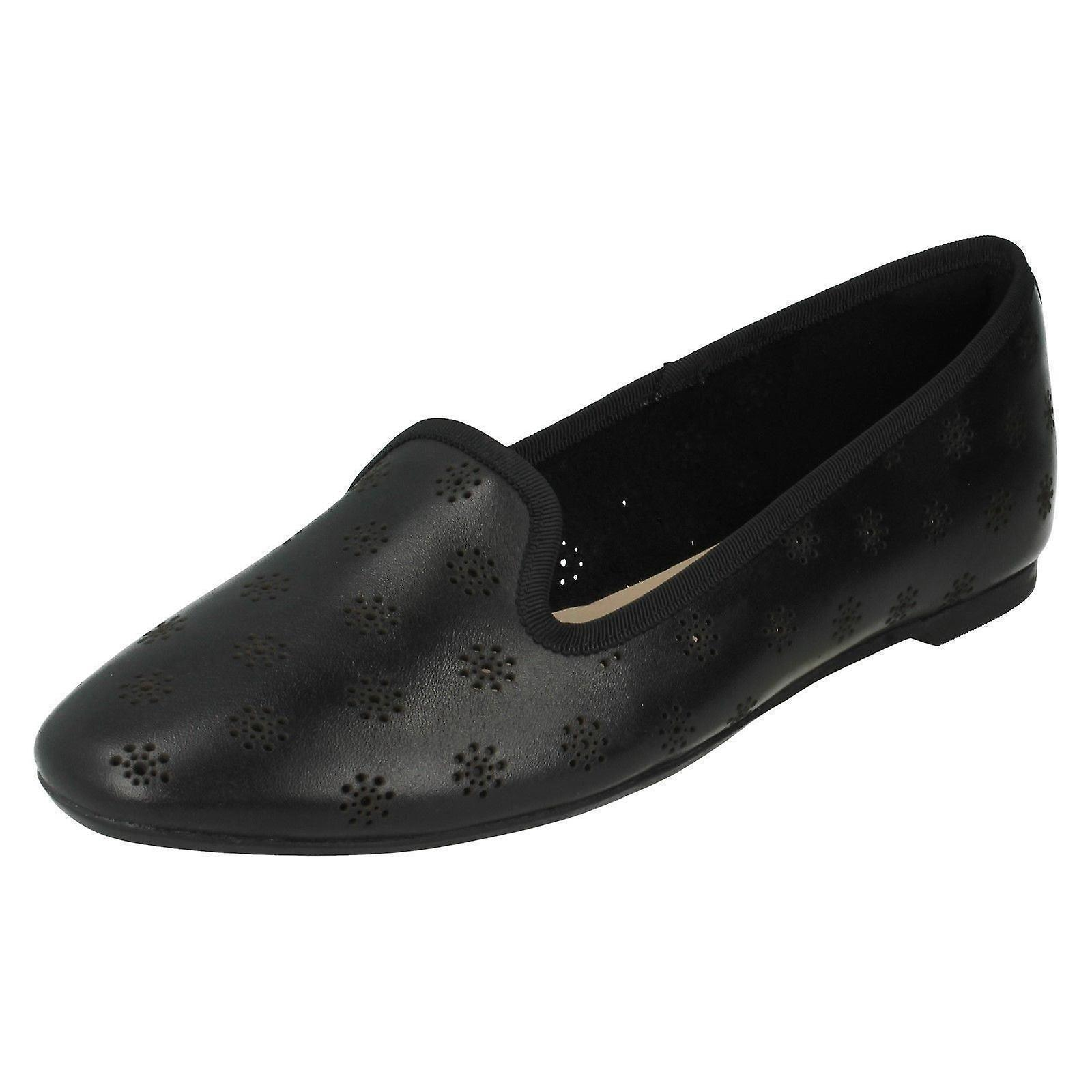 Ladies Clarks Cutout Casual Slip On Shoes Chia Moon mkKI4
