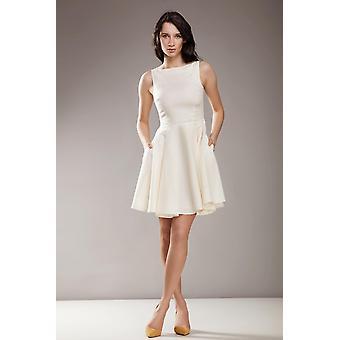 クリームナイトドレス