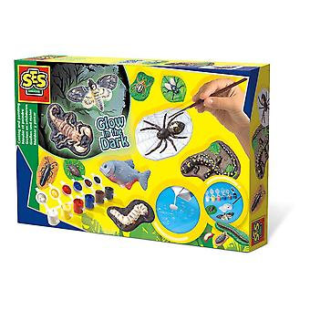 SES Creative Children's Scary Animals Glow-in-the-Dark Casting and Painting Set