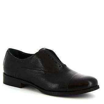 Leonardo Shoes Women's handmade oxford laceless shoes in black calf leather