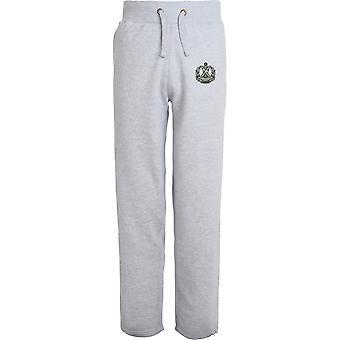 Queens Own Cameron Highlanders - lizenzierte britische Armee bestickt offenen Saum Sweatpants / Jogging Bottoms