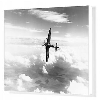 Supermarine Spitfire XIV. Afdrukken van vakcanvas. Supermarine Spitfire XIV (RB140) bankieren tijdens de vlucht.