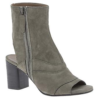 Chlo� women's ankle booties in Taupe Suede leather
