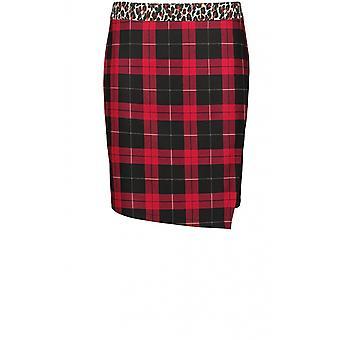 החצאית האדומה של טאיכיף