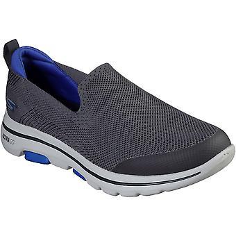 Skechers الرجال GOwalk 5 زلة عارضة الثمينة على الأحذية