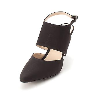 Beacon Womens Isabella Pointed Toe Casual Ankle Strap Sandals
