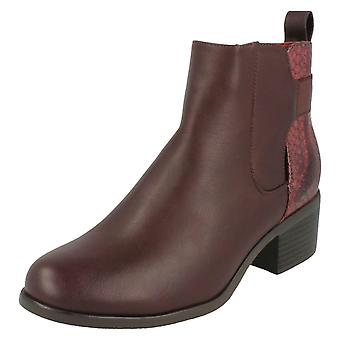 Ladies Down To Earth Heeled Chelsea Boots F50539