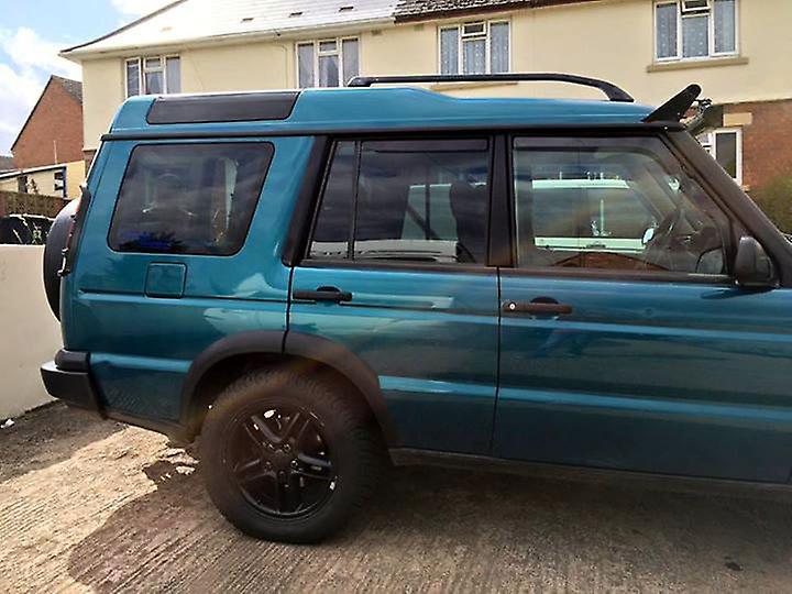 Pre cut window tint - Nissan Almera 3-door - 2000 and newer (PH2) - Rear windows