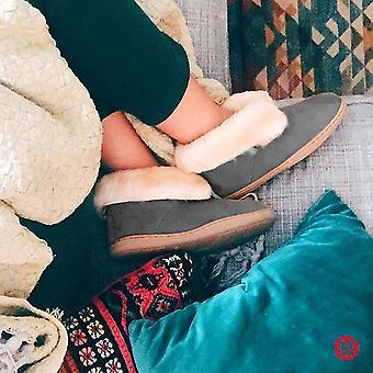Minnetonka Women's Sheepskin Ankle Boot Black
