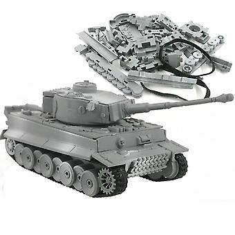 Sotilaallinen malli kokoonpano Tiger Tank.