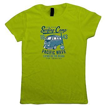 Surfing Camp Womens T-Shirt - Presente cultura pop sua mãe