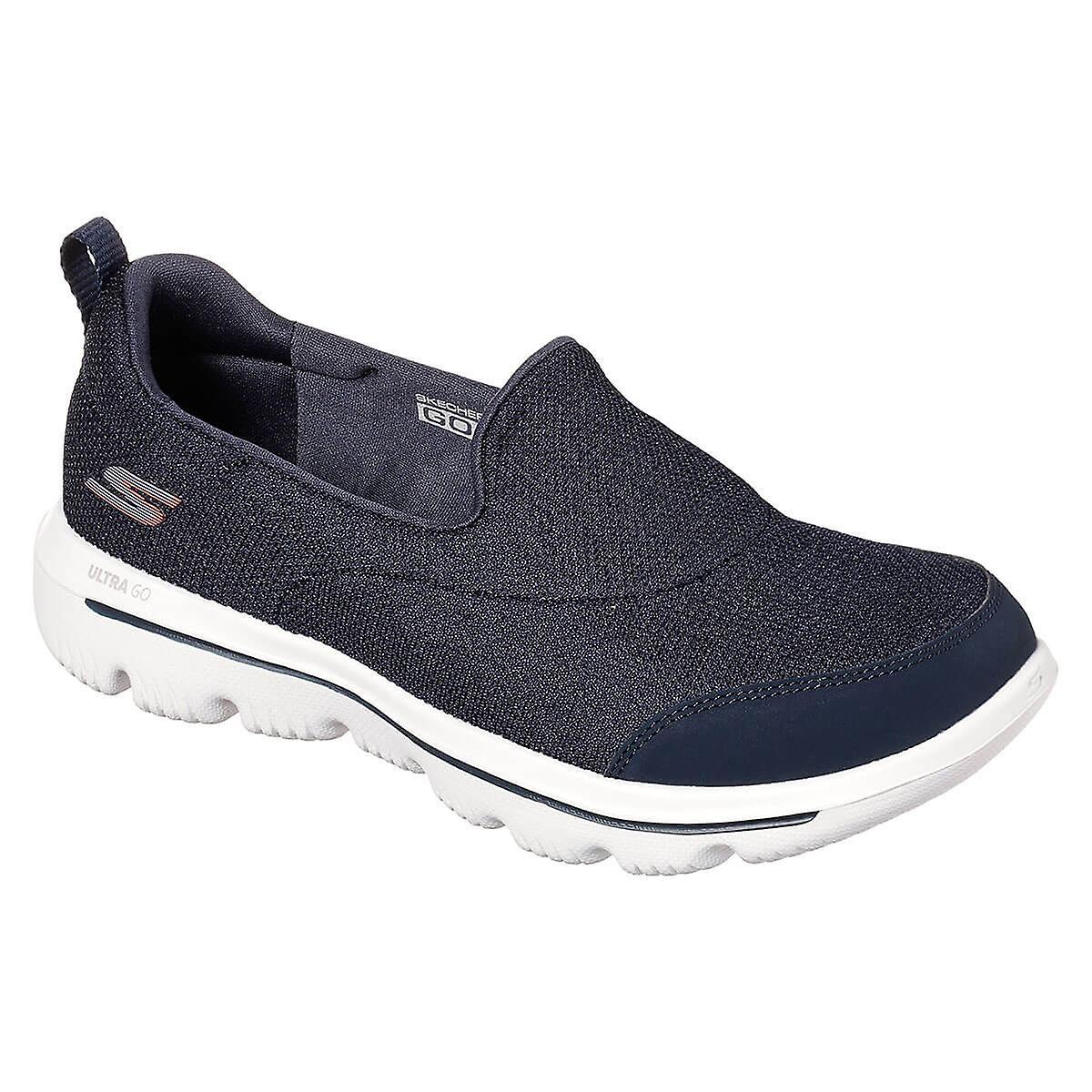 Ladies: Skechers Go Walk Reach Shoe in Black