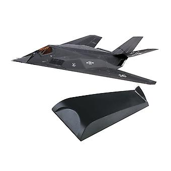 Lockheed F-117 Nighthawk (USAF 37th Tactical Fighter Wing 1988) Plastic Model Airplane