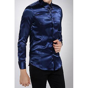 Camisa de satén de corte curvo
