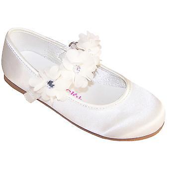 Girls ivory satin flower girl, bridesmaid and ballerina shoes