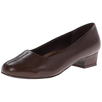 Trotters Womens Doris Leather Closed Toe Classic Pumps