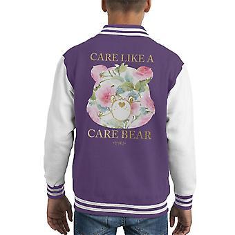 Care Bears si prende cura di una giacca Varsity di un orso cura