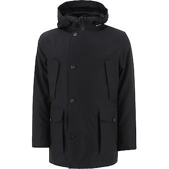 Woolrich Woou0326mrut11801578 Men's Black Nylon Outerwear Jacket