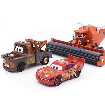 3db / lot Autók Racing Car Toy Tow Mater Világítás Mcqueen Frank Autó modell játékok