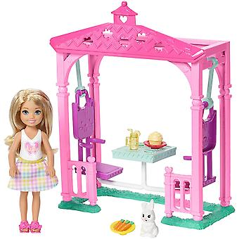 Barbie Club Chelsea piknik-bábika a Playset