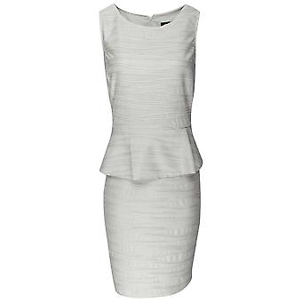 Frank Lyman beige ruffle ermeløs peplum kjole