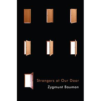 Strangers at Our Door by Zygmunt Bauman - 9781509512171 Book